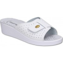 Comfooty Lucia White medical clogs